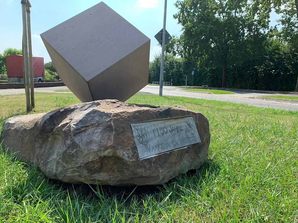 Denkmal 1150 Jahre Ortsteil Vaake